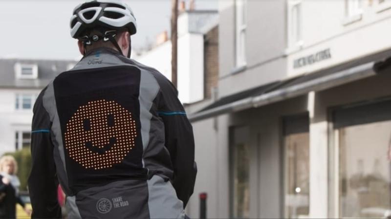 Illustration : Ford invente une veste 2.0 pour les vélos/trottinettes