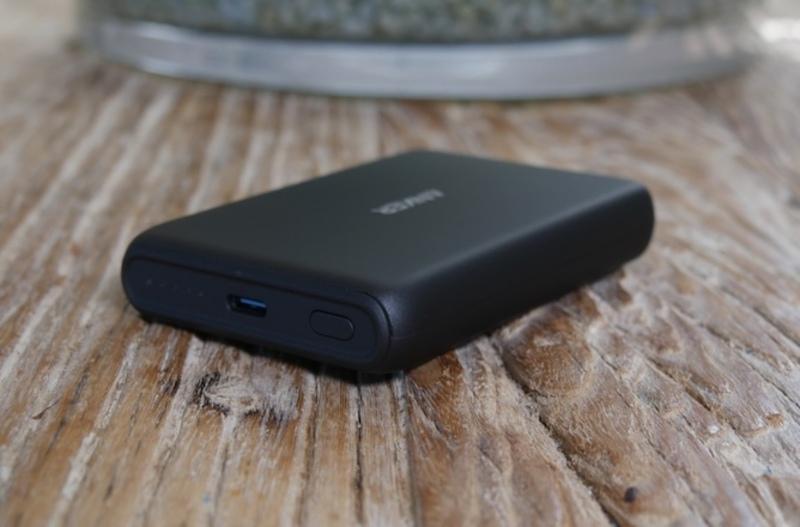 Illustration : Prise en main de la batterie magnétique/chargeur sans fil d'Anker à 27,99€