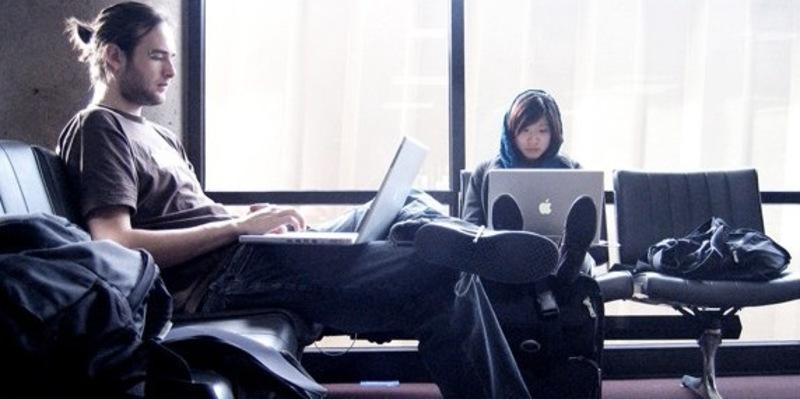 Illustration : Le wifi gratuit disponible dans les aéroports canadiens vous espionne