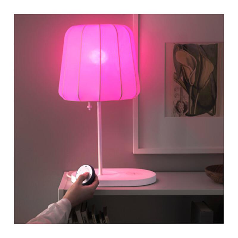 Illustration : HomeKit : Ikea met de la couleur dans ses ampoules connectées